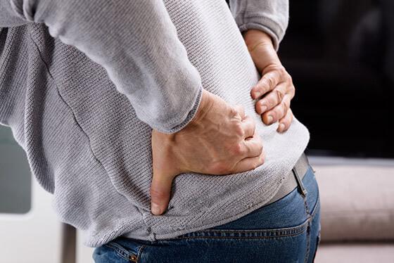 Hernie discale : Que faire? Causes et symptômes
